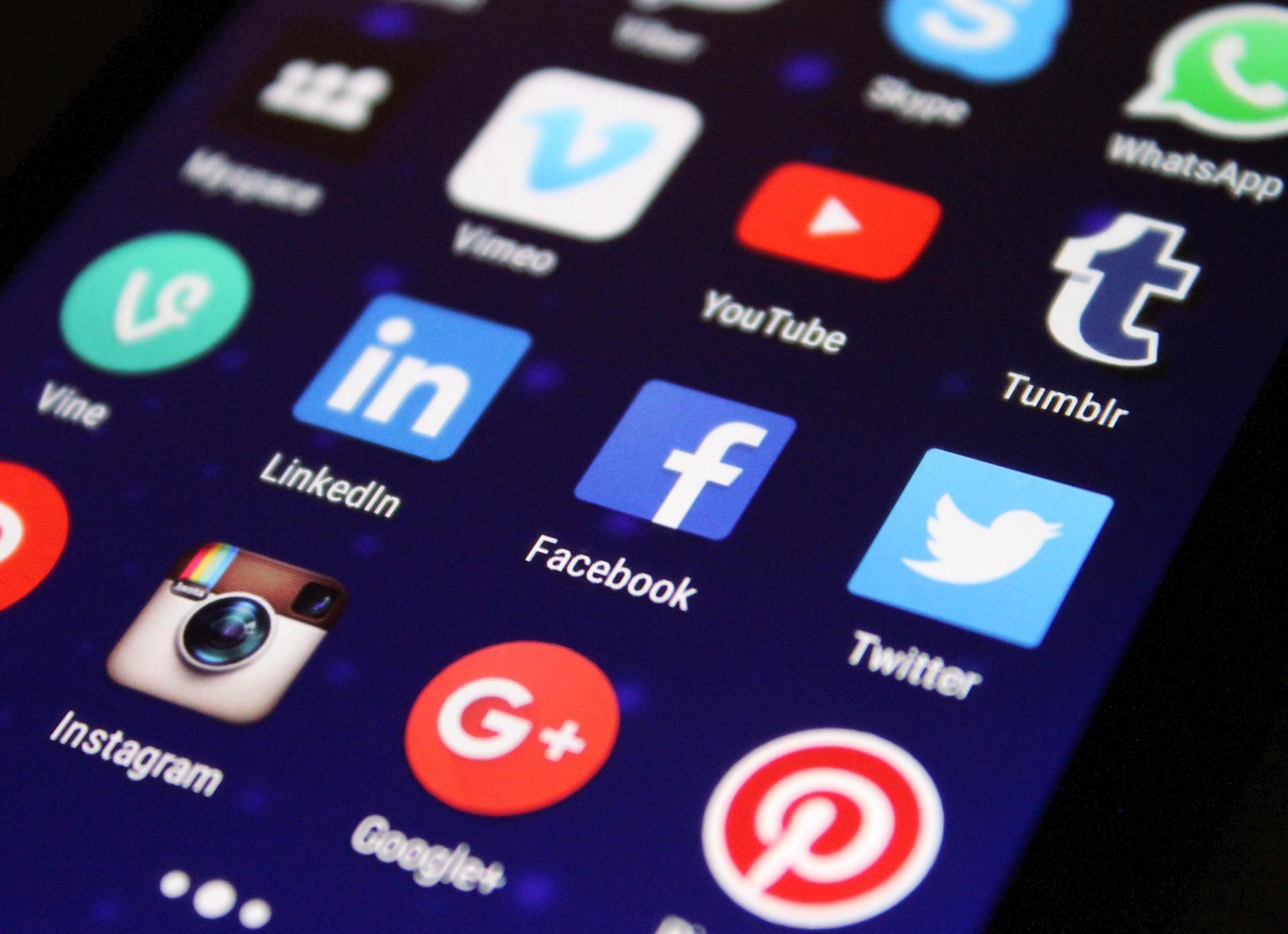Las herramientas para redes sociales son fundamentales para que tu negocio brinde un mejor servicio a sus clientes.